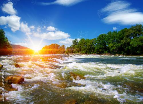 Montage in der Fensternische Fluss River water and sunset