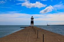 Erie Harbor North Pier Light O...