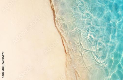 Stampa su Tela Soft beautiful ocean wave on sandy beach. Background.