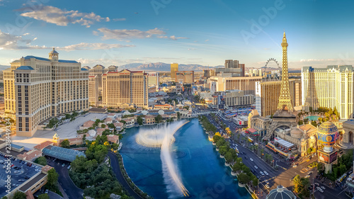 Keuken foto achterwand Las Vegas View of the Bellagio Fountains and The Strip in Las Vegas