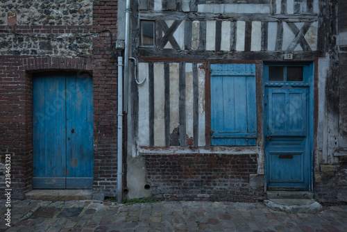 Deurstickers Rudnes French port resort town Honfleur