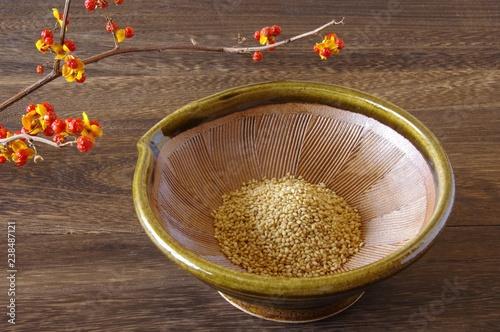 すり鉢と胡麻 すり鉢 胡麻 和食器