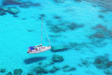 Beautiful Bay With Sail Boat Y...