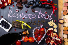 Food Rich With Resveratrol, Antioxidants As Grapes, Plums, Strawberry, Dark Chocolate,pomegranate, Cranberry, Green Tea, Tomatoes, Blueberry