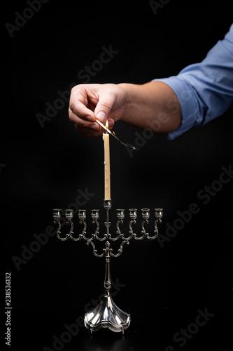 Fototapeta Chanukija dziewięcioramienny świecznik żydowski zapalany podczas święta Chanuka. obraz na płótnie