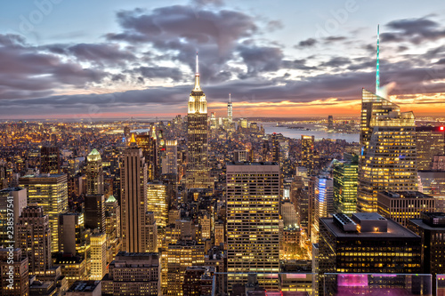 Cuadros en Lienzo Empire State Building in New York at Sunset