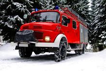 Löschfahrzeug Der Feuerwehr M...