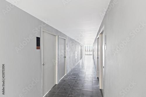 Cuadros en Lienzo  white Hallway