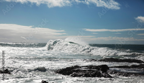 ocean waves breaking natural background
