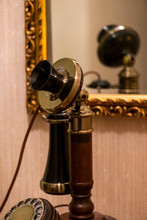 Old Fashioned Telephone, Sitti...