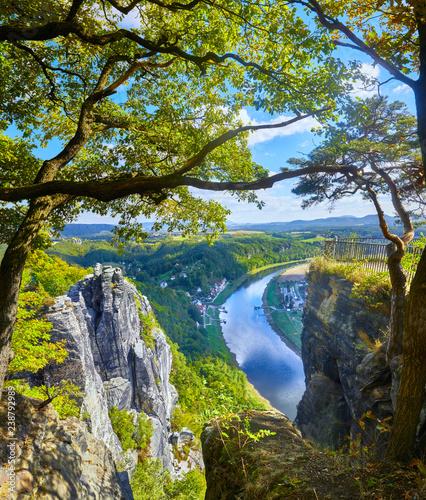 Fotografie, Obraz  Panoramablick auf die Elbe, vom Basteigebirge aus.