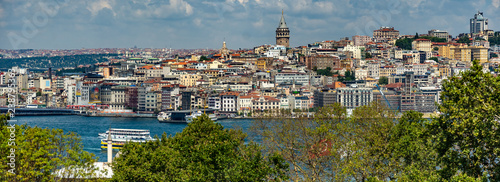 Ciudad de vieja de Estambul con Bósforo,Turquia. Canvas Print