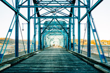 Walnut Street Walking Bridge C...