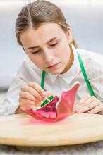 Confectioner Decorates Isomalt - Detail To Decorate The Wedding Cakeё