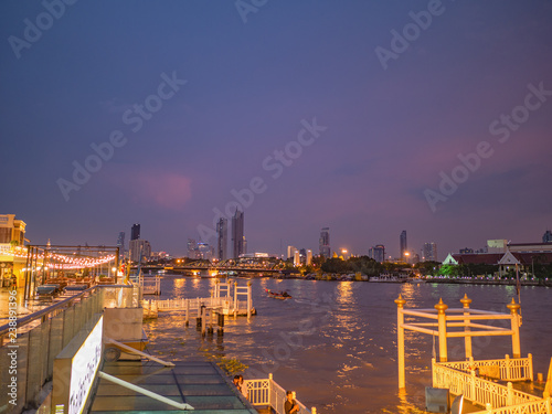 In de dag Luchtfoto Bangkok/Thailand - 20 september 2018:CityScape of Bangkok City and Chao Phraya River with Beautiful Sunset From Yodpiman river walk in Bangkok City Thailand