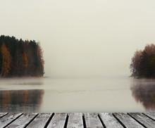 Holzsteg Im Herbst Am See