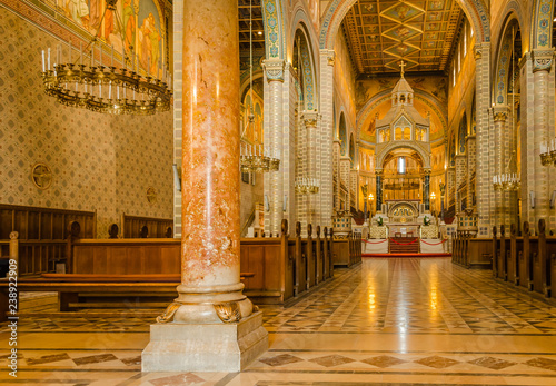 Fotografia  Pecs, Hungary - October 06, 2018: The interior of the Cathedral