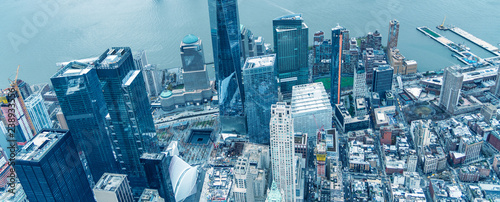 In de dag New York City Downtown Manhattan and Jersey City as seen from the helicopter