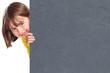 canvas print picture - Kind Mädchen lachen Werbung Marketing Schild leer Schiefertafel Textfreiraum Copyspace