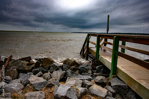 Fotomural stormy day from beach pier on st simons island