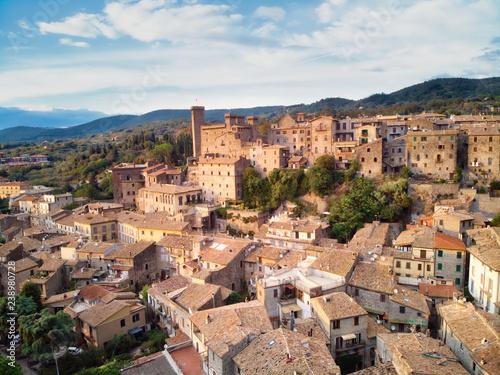 Photo Medieval village of Bolsena in Tuscany