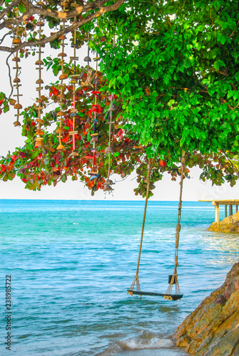 Fototapety, obrazy: Rope swing on the island of Koh Chang. Thailand