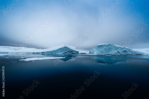 Fotografia, Obraz Glacier on Arctic Ocean in Greenland