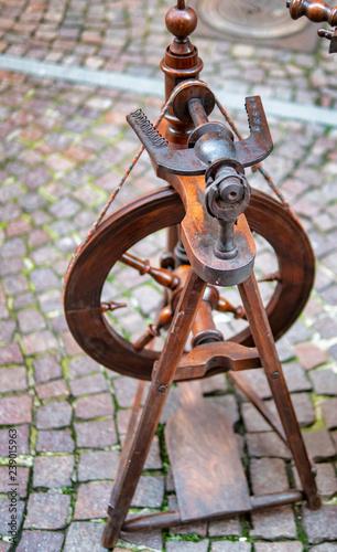 detail of wooden spinning wheel © manola72