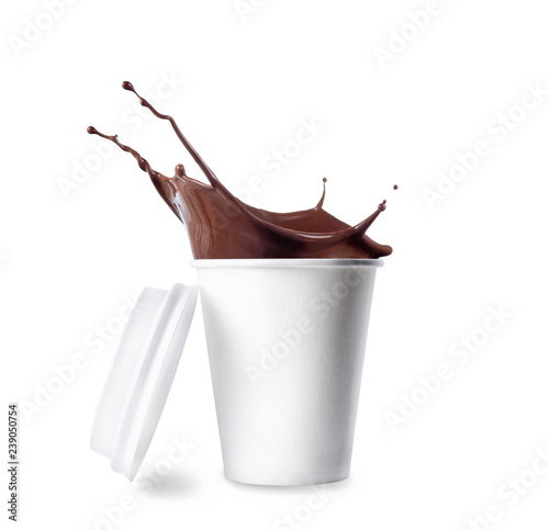 Photographie paper cup with splashing hot chocolate