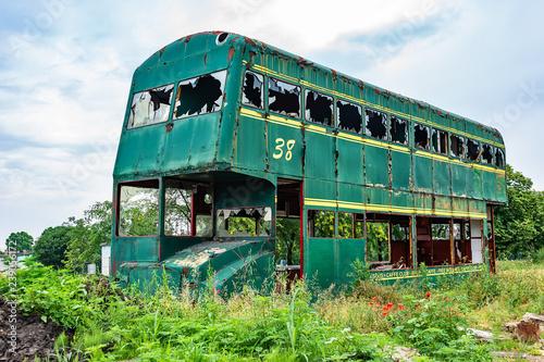 Novi Sad, Serbia May 26, 2018: Rusty Abandoned green Double-Decker Bus Tablou Canvas