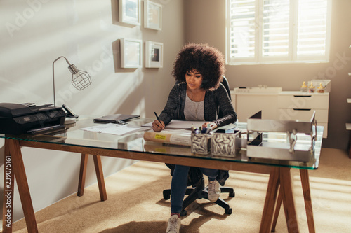 Photo  Woman working from home