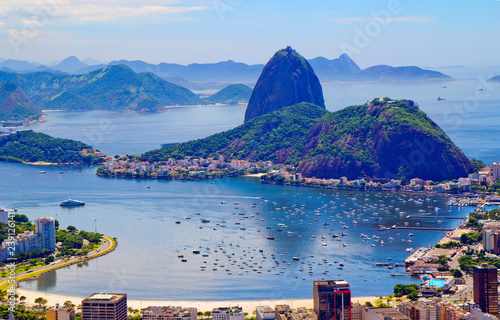 In de dag Centraal-Amerika Landen Rio de Janeiro. Brazil. View of the city from mount Corcovado. Corcovado mountain offers magnificent views of the city of Rio de Janeiro.