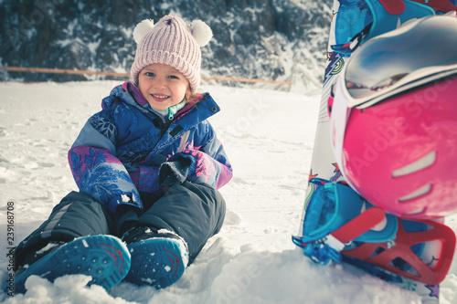 twoje-szczesliwe-dziecko-ma-lekcje-narciarstwa