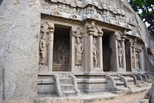 Foto op Aluminium Bedehuis Chennai, Tamilnadu - India - September 09, 2018: Indian rock-cut architecture