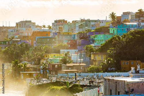 Photo La Perla district in Old San Juan at sunrise