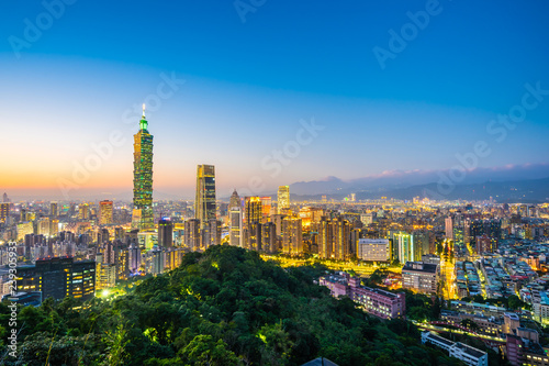 фотография  Beautiful landscape and cityscape of taipei 101 building and architecture in the