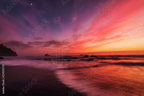 Printed kitchen splashbacks Eggplant Sunset at a Rocky Pacific Northwest Beach