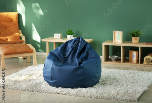 Photo Beanbag chair in interior of room