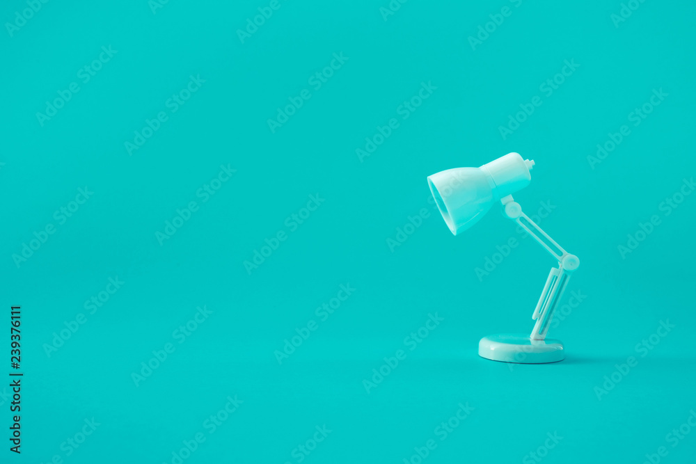 Fototapety, obrazy: Idea and creativity concepts with lamp on pastel color background