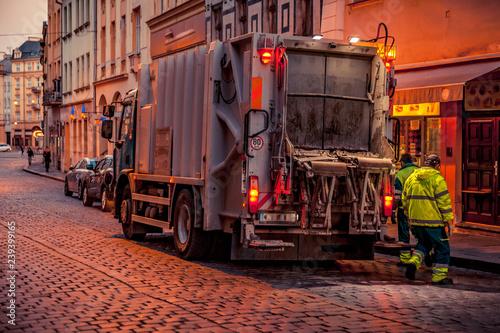 Fotografija  garbage truck in the city for waste disposal