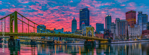 Fotomural  Good morning Pittsburgh Panorama from the North Shore