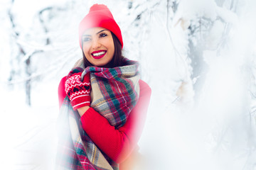 Attractive young woman in wintertime outdoor - Image
