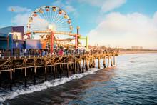 La Fameuse Plage De Santa Monica Et Son Ponton