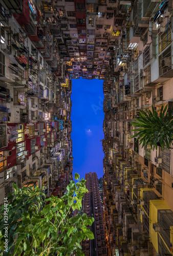 Foto op Aluminium Aziatische Plekken Overcrowded residential building in Hong Kong