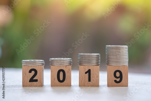 Fotografía  2019 New year, Saving and Business concept