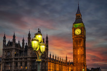 Nahaufnahme Des Big Ben Turmes In Westminster In London Am Abend Nach Sonnenuntergang
