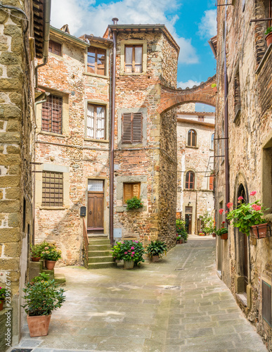 Photo Scenic sight in Anghiari, in the Province of Arezzo, Tuscany, Italy