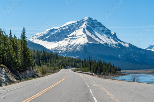 Fotografie, Obraz  Icefields Parkway / Highway 93 in the Jasper National Park in spring - Alberta,