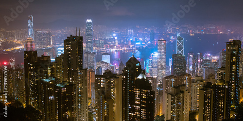 Aluminium Prints Hong-Kong Hong Kong skyline at night from Victoria Peak ヴィクトリア・ピークから観た香港の夜景