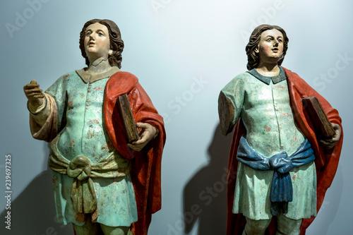Statue di santi Cristiani